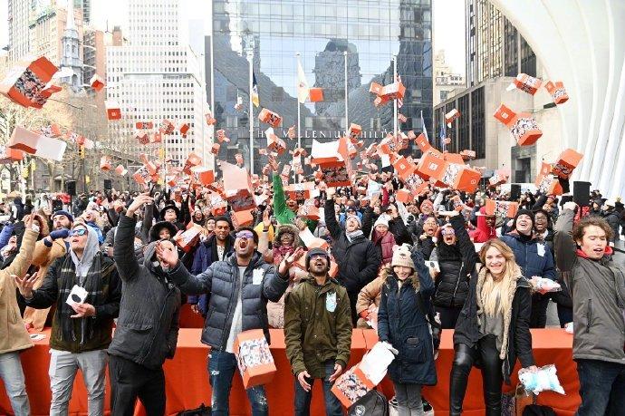 Xiaomi попала в Книгу рекордов Гиннесса с самой массовой распаковкой