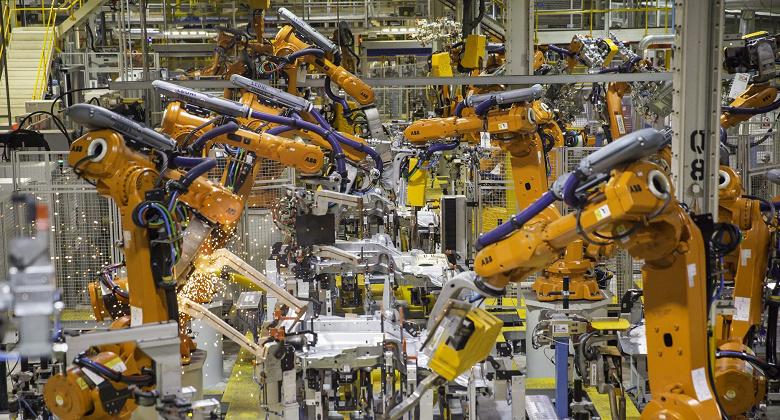 Расходы, связанные с ИИ на производстве, к 2025 году возрастут до 13,2 млрд долларов