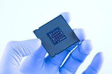 По мнению AMD, в ближайшие десять лет основным материалом для процессоров останется кремний