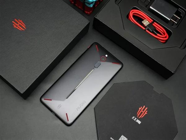 Емкость аккумулятора игрового смартфона Nubia Red Magic 3 превышает 5000 мА•ч