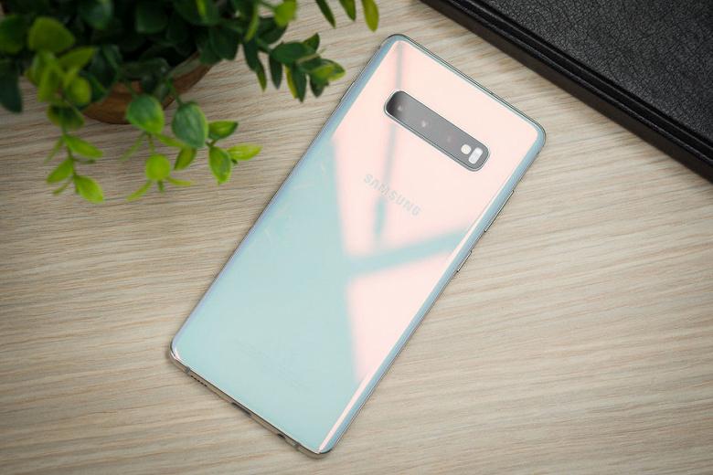 Проигрыш iPhone XS Max, Samsung Galaxy S9+ и S8+. Тесты показали реальную автономность Samsung Galaxy S10+