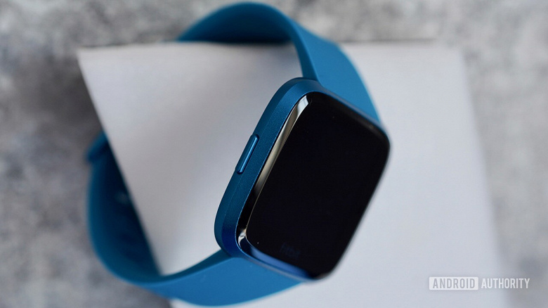 Представлены Fitbit Versa Lite — вероятно, самые дешёвые умные часы с полноценной операционной системой