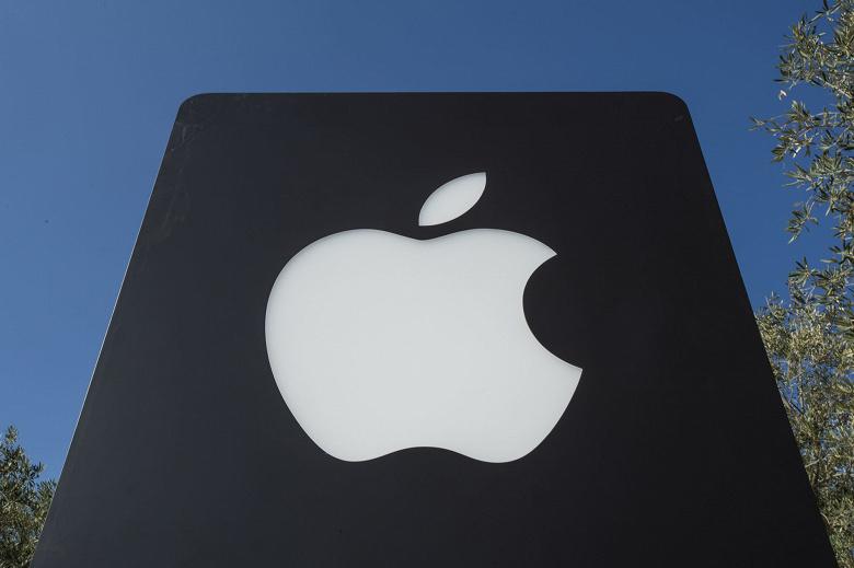 В первом ряду. Видеосервис Apple будет называться Front Row