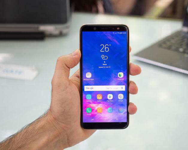Пользователи Samsung Galaxy A6 уже могут опробовать прошивку One UI на базе Android 9.0 Pie