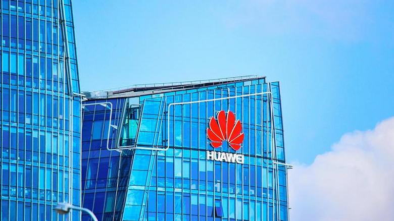 Высшая лига. Huawei впервые заработала более 100 миллиардов долларов за год