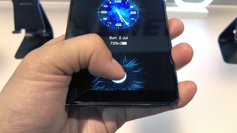 Видео дня: смартфон Nokia 9 PureView можно разблокировать пачкой жвачки вместо пальцев пользователя