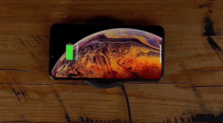 Apple снабдит новые iPhone аккумуляторами повышенной емкости