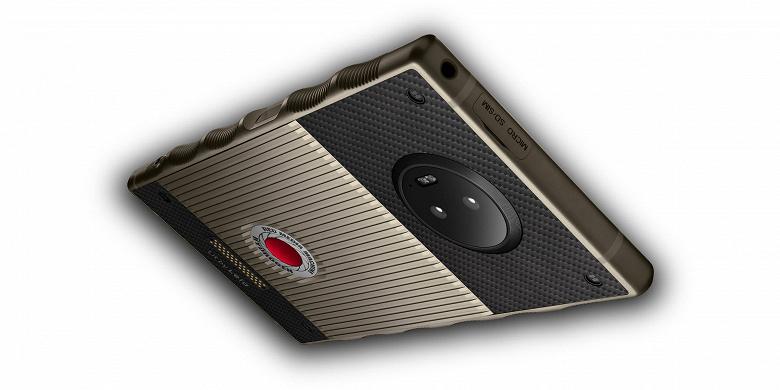 Титановый смартфон Red Hydrogen One с голографическим дисплеем и позапрошлогодней SoC Snapdragon 835 предлагается за 1595 долларов