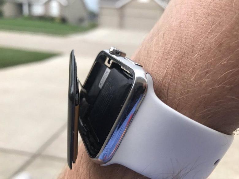 И снова в суд: против Apple подали коллективный иск, связанный с проблемными аккумуляторами у умных часов компании