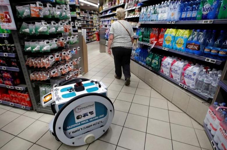 Французский супермаркет Franprix тестирует роботов, которые помогают делать и доставлять покупки