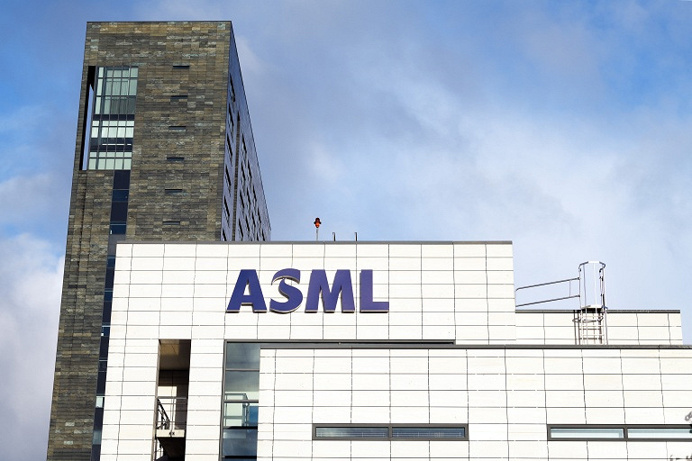 ASML%20Campus%20in%20Veldhoven%20(with%2