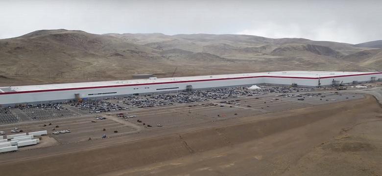 Tesla и Panasonic заморозили планы по расширению производственных мощностей Gigafactory 1