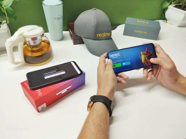 Realme 3 Pro «тянет» Fortnite при 60 к/с, а Redmi Note 7 Pro — нет