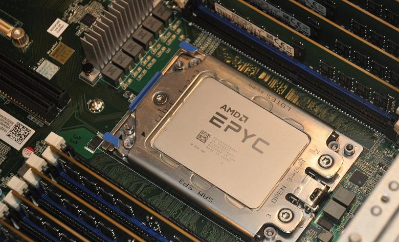 Инженерный образец 64-ядерного серверного CPU AMD Epyc работает на базовой частоте 1,4 ГГц