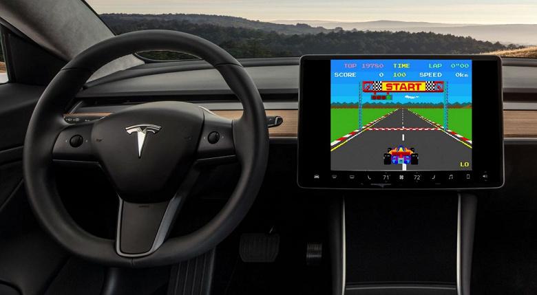 В автомобилях Tesla вскоре могут появиться новые игры, включая Quake и Minecraft