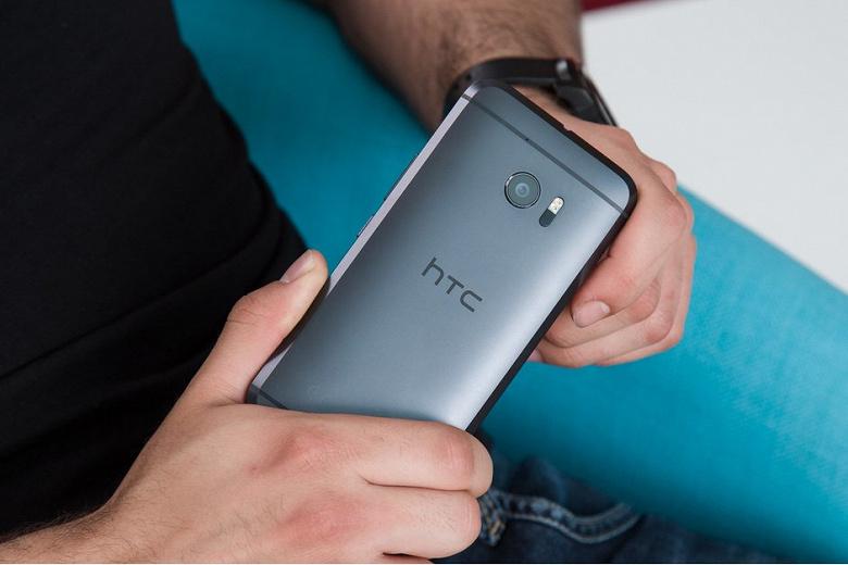 Дела всё хуже. Чистый убыток HTC почти сравнялся с выручкой