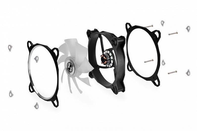 Вентиляторы Lian Li Bora Digital продаются по три штуки