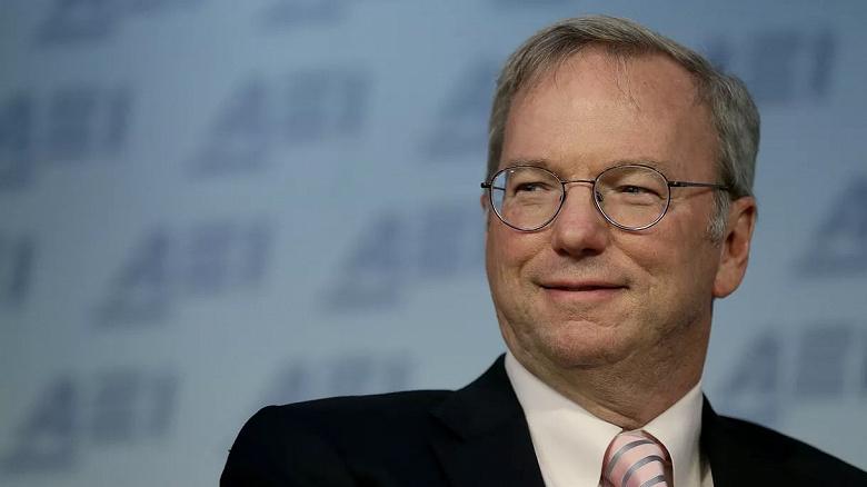 Эрик Шмидт, бывший генеральный директор Google, уходит с поста председателя совета директоров Alphabet