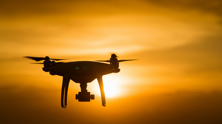 В России создали дрон-электрошокер с ослепляющим лазером