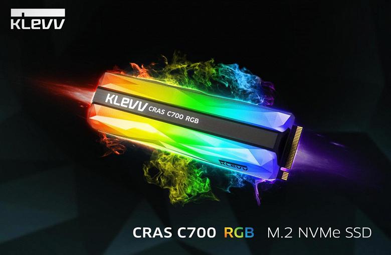 Твердотельный накопитель KLEVV CRAS C700 RGB украшен подсветкой