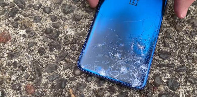 Краш-тест OnePlus 7 Pro. За выезжающий модуль камеры можно особо не переживать