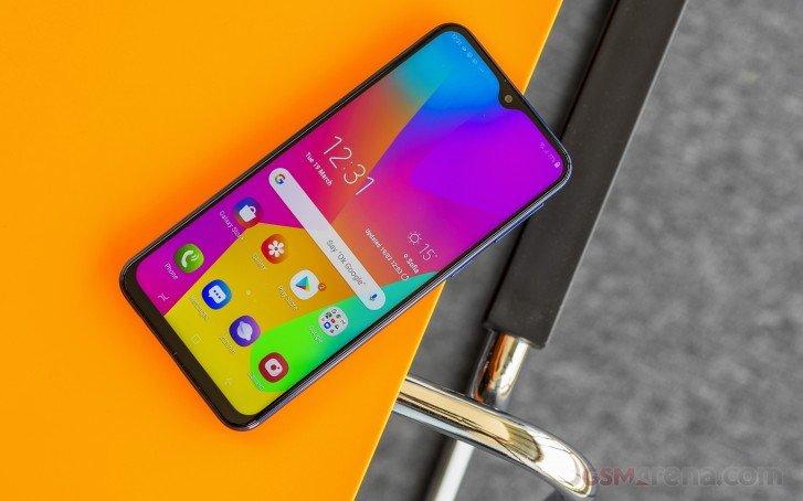 Samsung ответил на 10 млн Redmi Note 7 данными о продажах Galaxy M10, M20 и M30