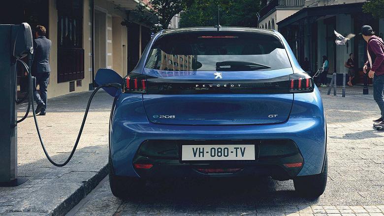 Электромобиль Peugeot e-208 в базовой версии оценён в 30 450 евро