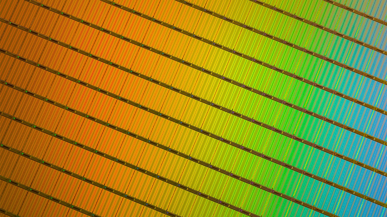 Micron-3D-NAND-wafer_large.jpg
