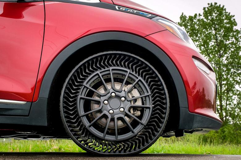 Michelin и General Motors показали безвоздушную шину Uptis Prototype, которая появится на серийных авто уже через пять лет