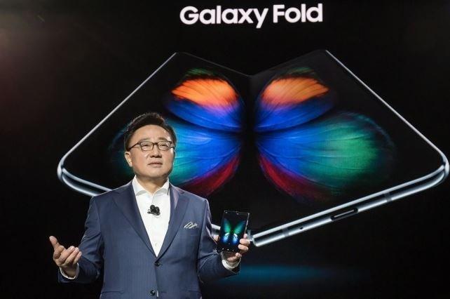 Samsung выпустит свой второй складной смартфон в сентябре еще до выхода Huawei Mate X