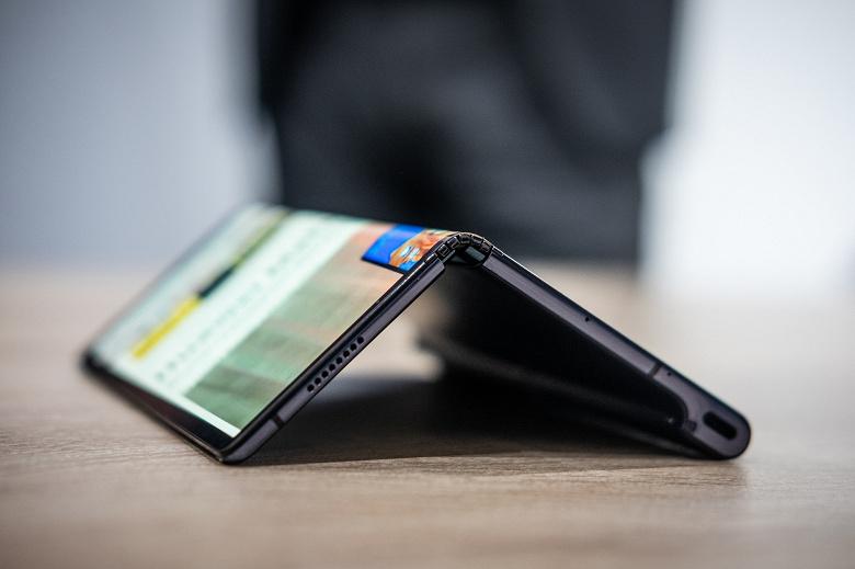 Гибкий смартфон Huawei Mate X выйдет не позже сентября и точно будет работать на ОС Android