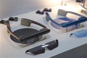 Стало известно, кто будет делать очки Google Glass третьего поколения