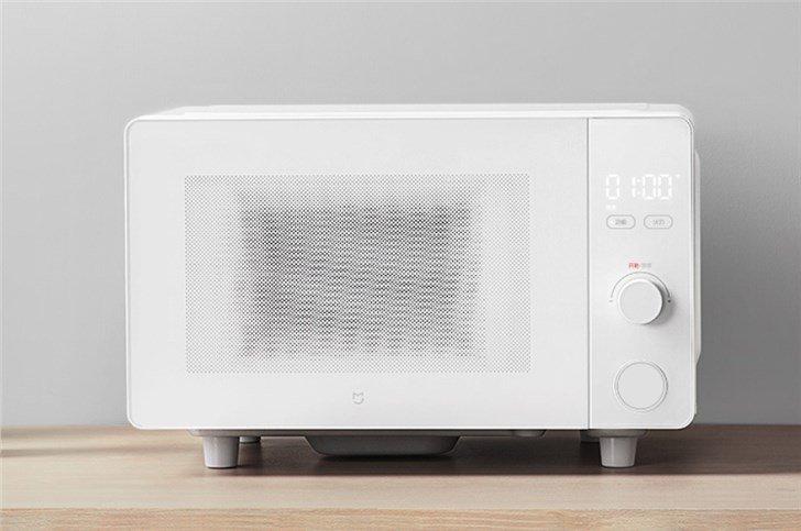 Xiaomi анонсировала микроволновую печь с Wi-Fi и голосовым управлением за 58 долларов