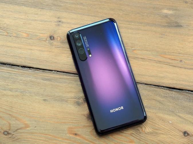 На камерофон Honor 20 Pro обрушилась волна негатива, но компания уже решила все проблемы