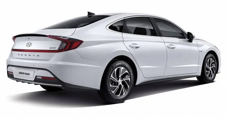 Новая Hyundai Sonata получила солнечные батареи на крыше и управление со смартфона