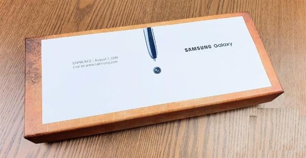 Samsung очень оригинально оформила приглашение на премьеру Galaxy Note 10