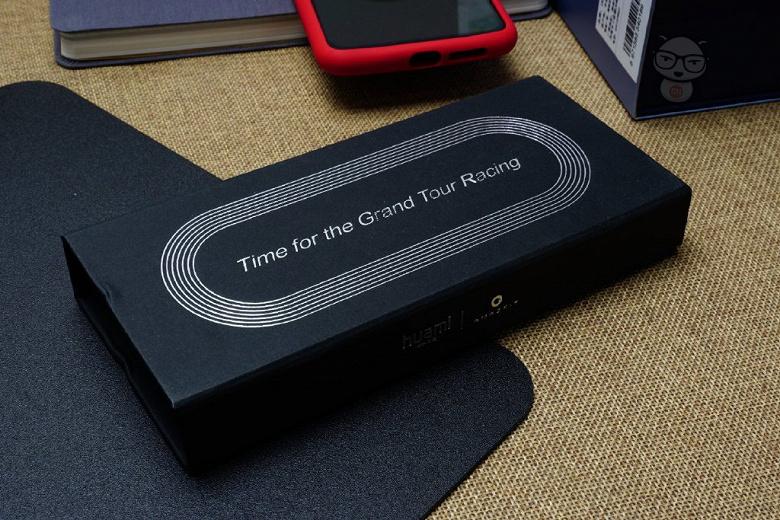 Huami положила в приглашения на презентацию умных часов Amazfit GTR монеты