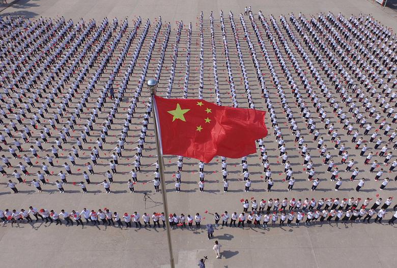 Китайские пограничники устанавливают на смартфоны путешественников шпионское ПО
