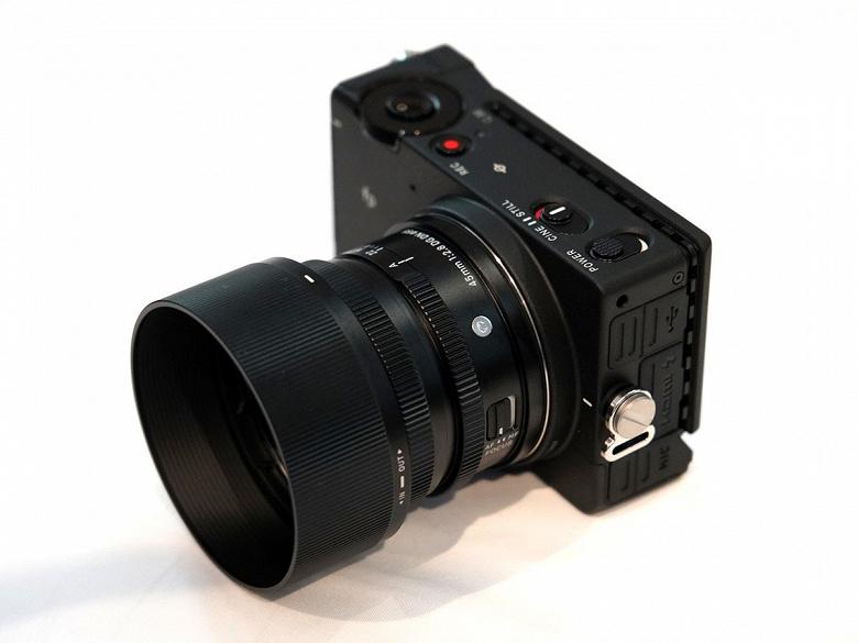 Анонсирован выпуск сверхкомпактной полнокадровой камеры Sigma fp с креплением L