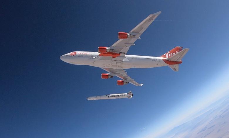 Сброс ракеты LauncherOne с самолёта Boeing 747 Cosmic Girl компании Virgin Orbit прошёл успешно