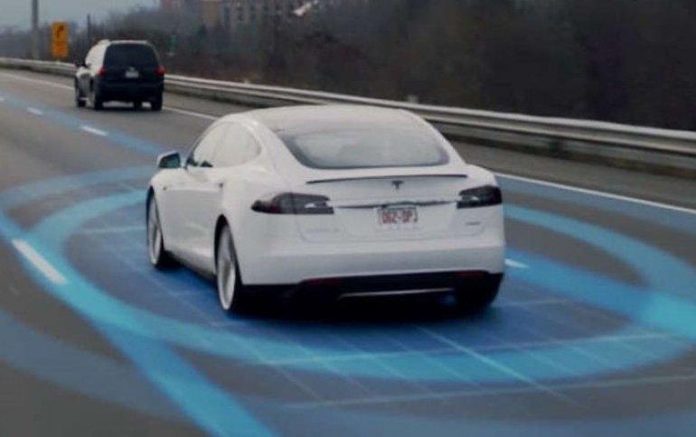 На бывшего сотрудника Tesla подали в суд за загрузку 300 000 файлов исходного кода автопилота в iCloud