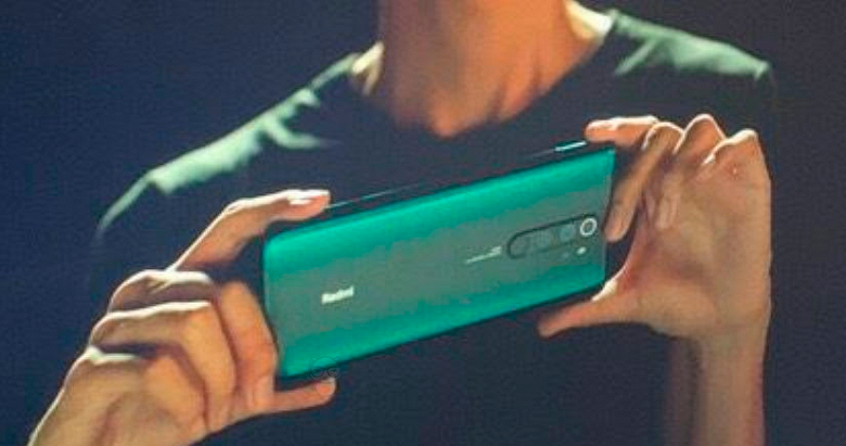 Смартфон Redmi Note 8 с градиентной крышкой позирует на живых фото регулятора, а Redmi Note 8 Pro засветился на кадрах видеоролика