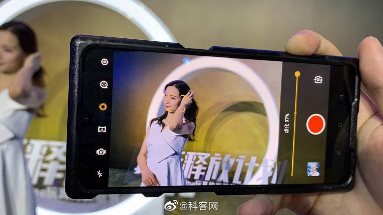 Живые фото 64-мегапиксельного смартфона Realme