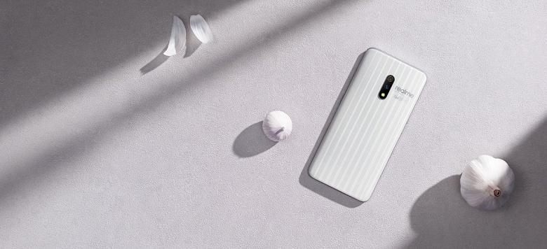 90-герцовый экран, NFC и Snapdragon 855 Plus при цене ниже 420 долларов. Realme X2Pro заочно выглядит очень привлекательно