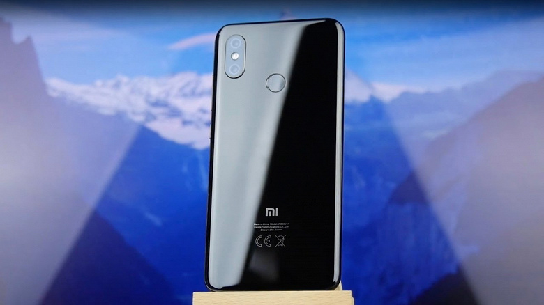 Пользователи Xiaomi Mi 6, Mi 8, Poco F1 и Redmi Note 5 Plus получили Android 10