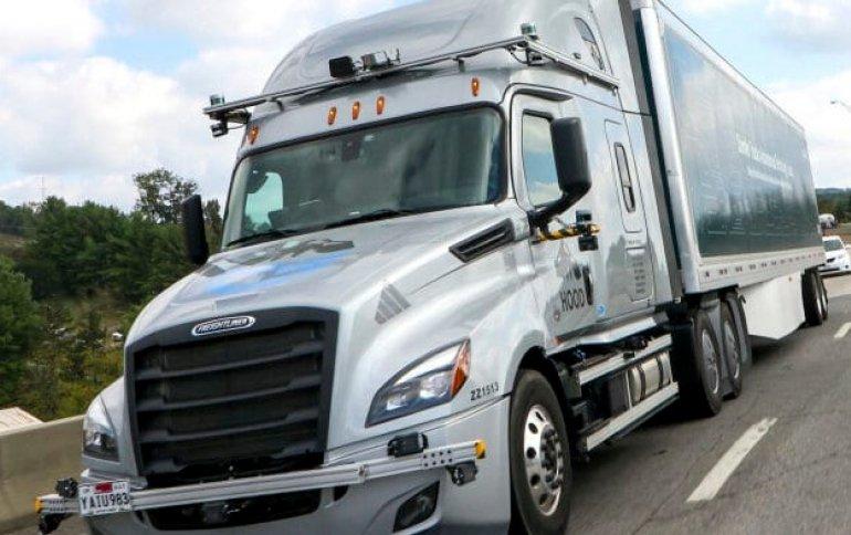 Daimler начинает тестировать на дорогах общего пользования грузовики Level 4, которыми управляет система Asimov