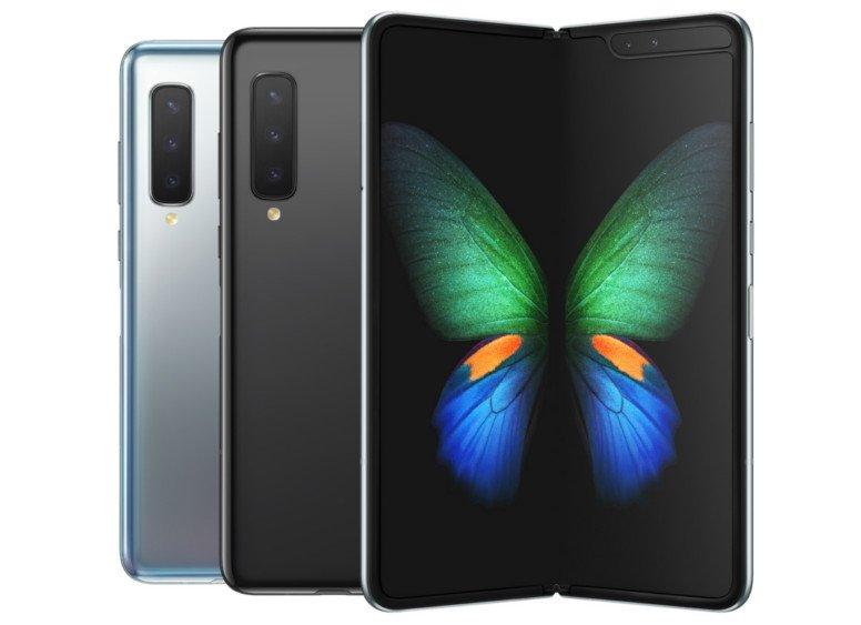 Не прошло и года. Samsung объявила о начале продаж складного смартфона Galaxy Fold с гибким экраном