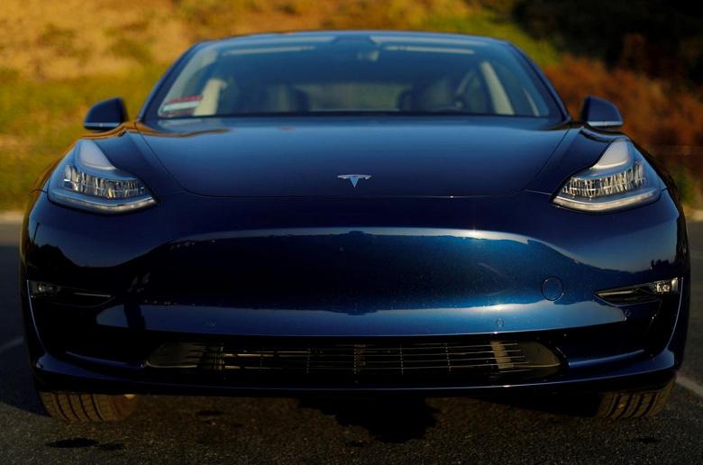 Продажи Tesla Model 3 в Норвегии всего за два квартала упали почти вдвое