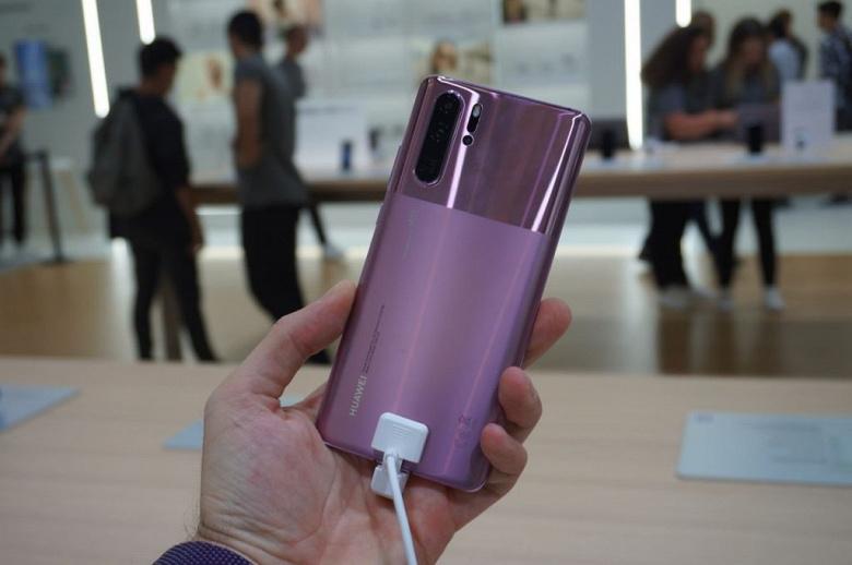 Самая дорогая версия флагманского камерофона Huawei P30 Pro очень сильно подешевела