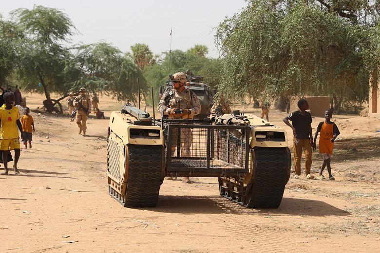 Эстонские патрули в Африке получили беспилотное транспортное средство